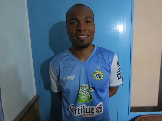 Yonatan Jordan Mosquera: Debutó en Rocha con buen fútbol y gol…